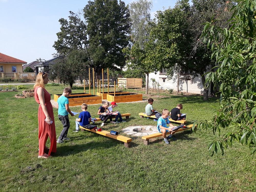 učenie v záhrade – kópia